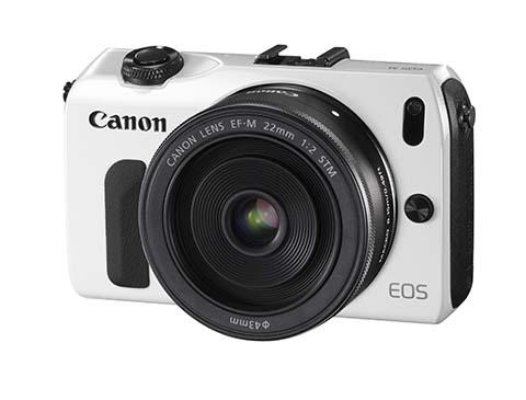 Canon EOS M con un objetivo de 22mm