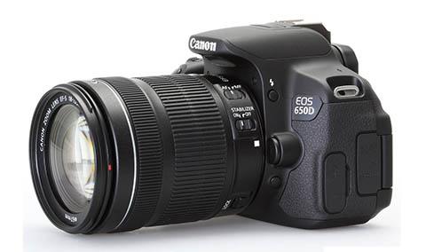 La cámara Canon EOS 650D se vende en kit con un objetivo zoom de 18-55mm
