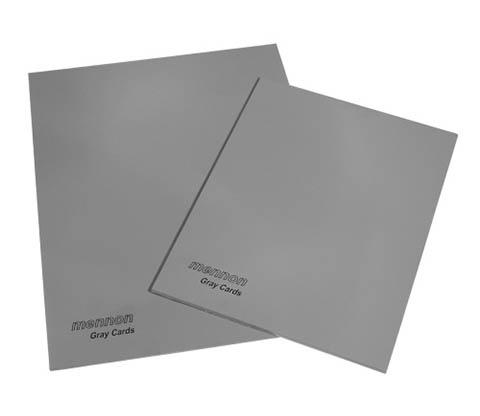 Usando tarjetas de color gris medio se puede hacer una lectura precisa de la luz reflejada