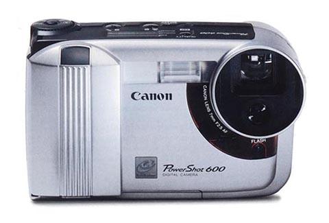 La Canon Powershot 600 fue la primera cámara compacta puesta a la venta por Canon
