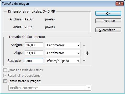 En el cuadro de diálogo tamaño de imagen de Photoshop se puede ver muy bien la relación entre el tamaño y la resolución de una imagen